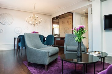 The suite at Elite Eden Park Hotel in Stockholm with lounge and dining area